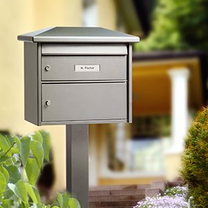 Installations free-standing, letter box stands and banks
